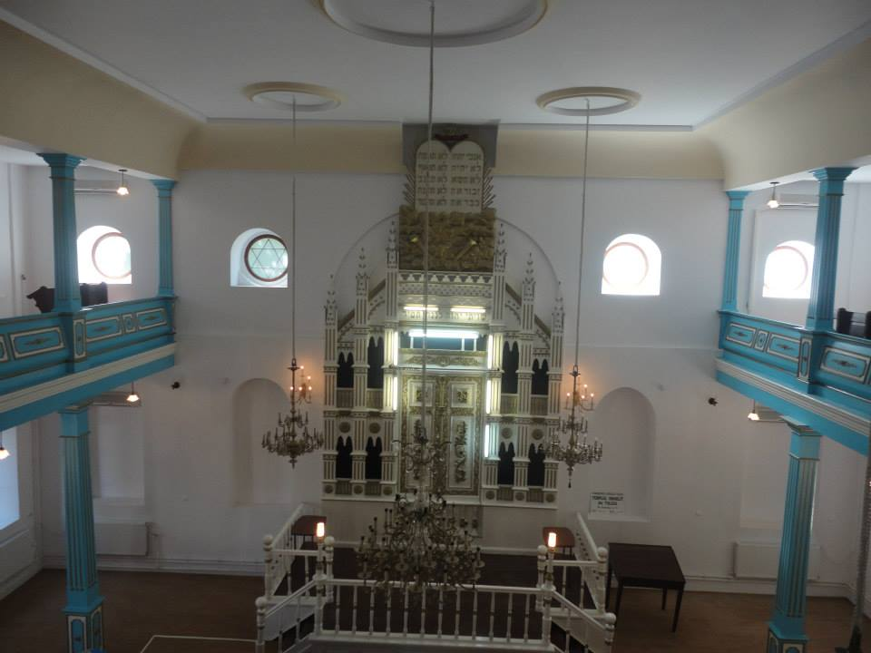 Interior of restored Tulcea synagogue. Photo: Federation of Romanian Jewish Communities