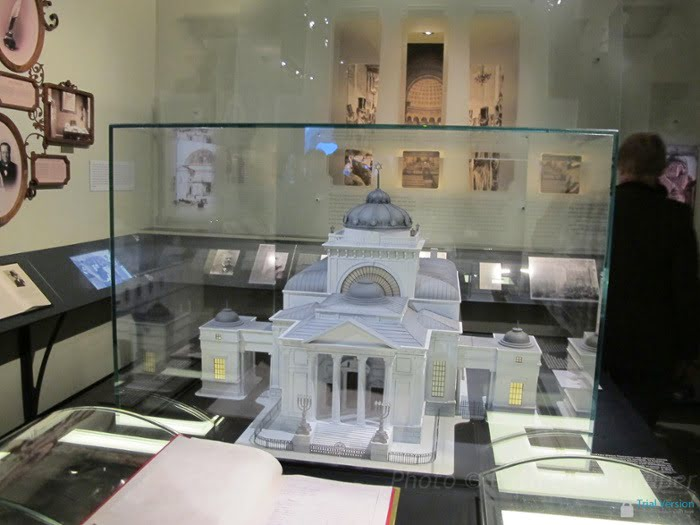 Model of Warsaw's destroyed Great Synagogue, in the POLIN Museum of the History of Polish Jews