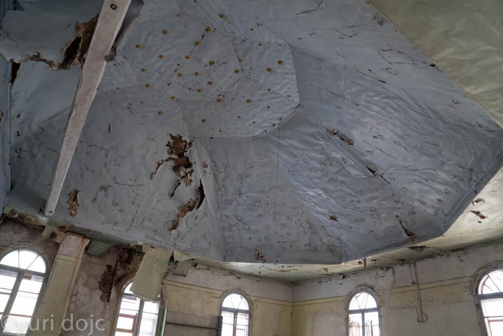 Inner cupola of Great synaglge in Ludza today. Photo © Yuri Dojc