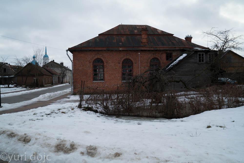 Exterior of the Ludza Great Synagogue today. Photo © Yuri Dojc