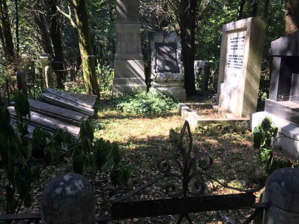 The Brunner family compound in the Jewish cemetery of Trieste. Photo: Hanno Loewy
