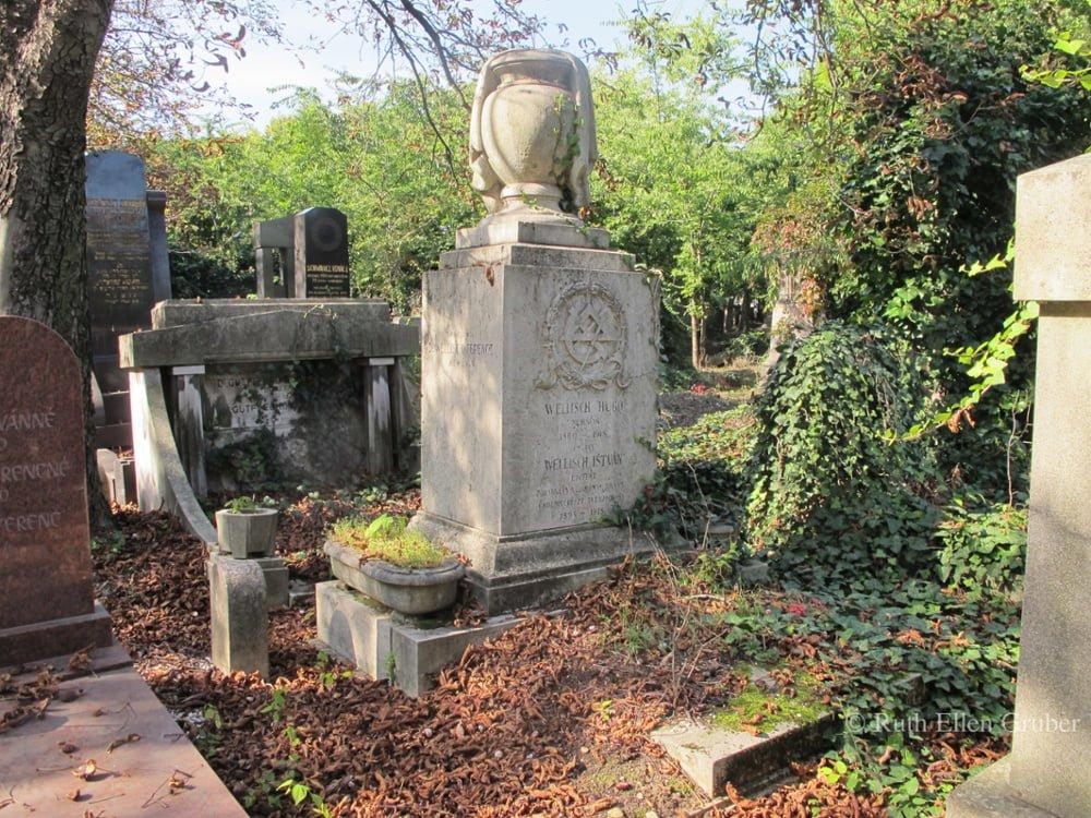 In the Kozma utca Jewish cemetery, Budapest