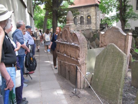 Cemetourism: Cemeteries with Stories to Tell @ online on Zoom