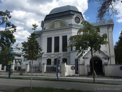 Commemoration of architect of synagogue @ former synagogue, St. Polten, Austria | Sankt Pölten | Niederösterreich | Austria