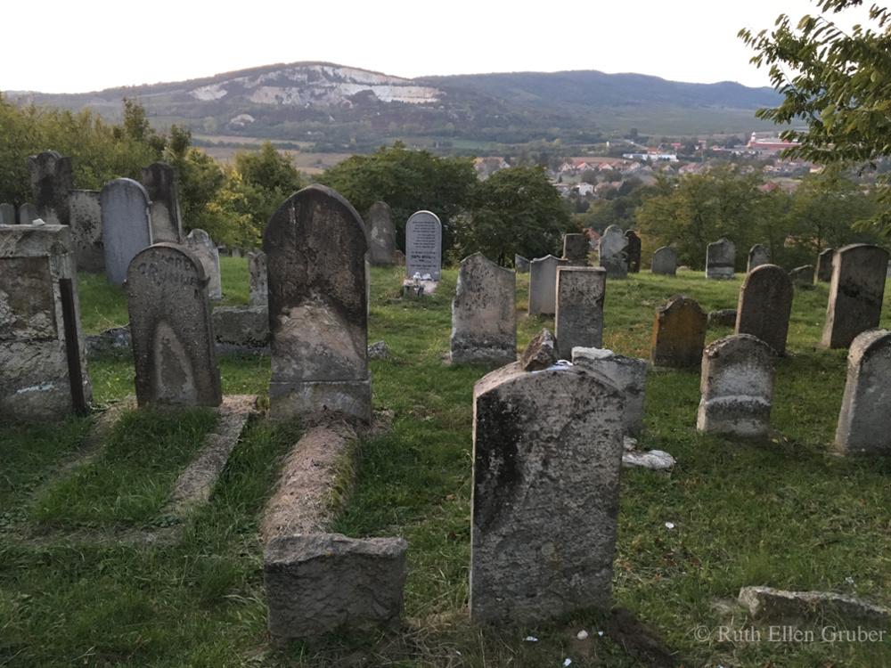 Jewish cemetery Bodrogkerestur