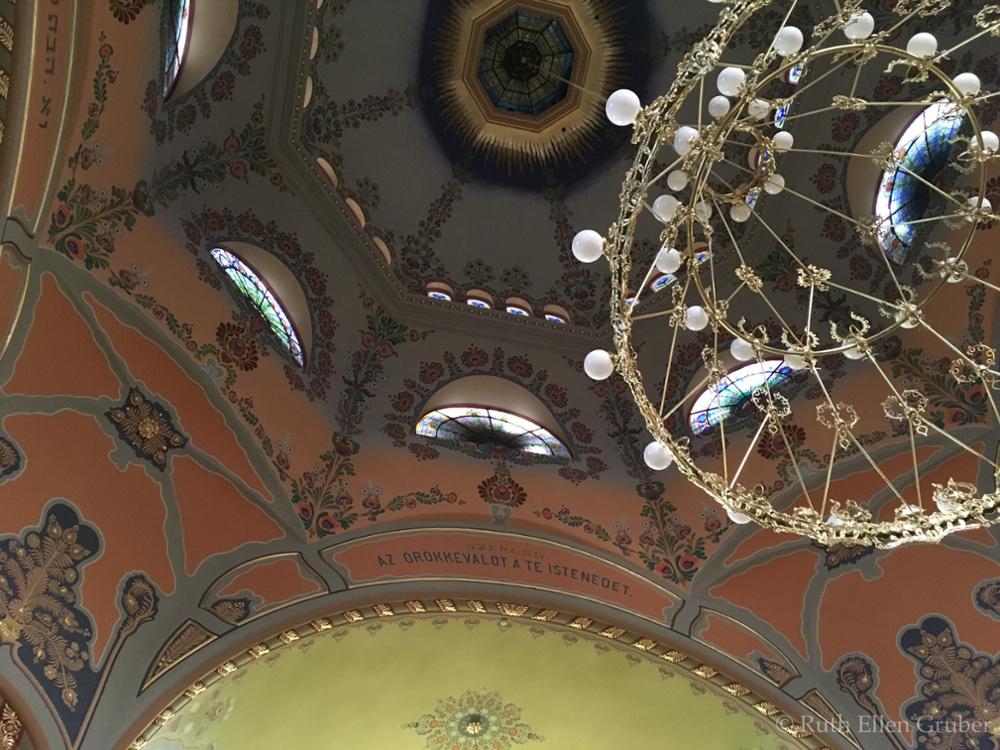 Subotica-synagogue-wm8