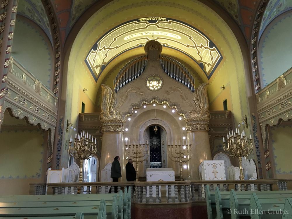 Subotica-synagogue-wm9