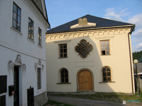 Synagogue in Usov, CZ