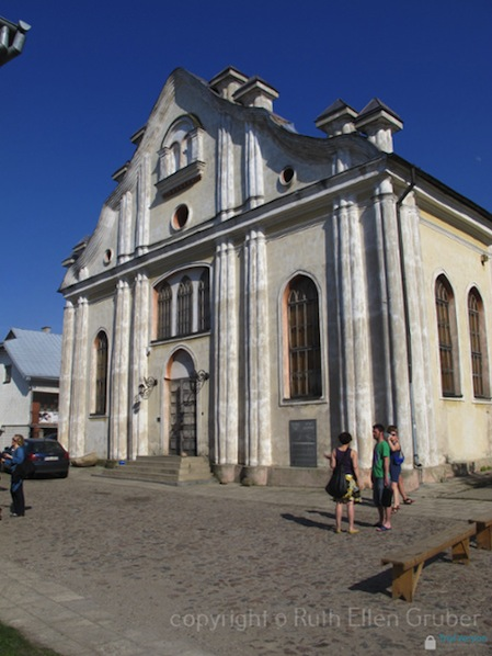 White synagogue, Sejny. Used as a theatre and concert space. Phto © Ruth Ellen Gruber